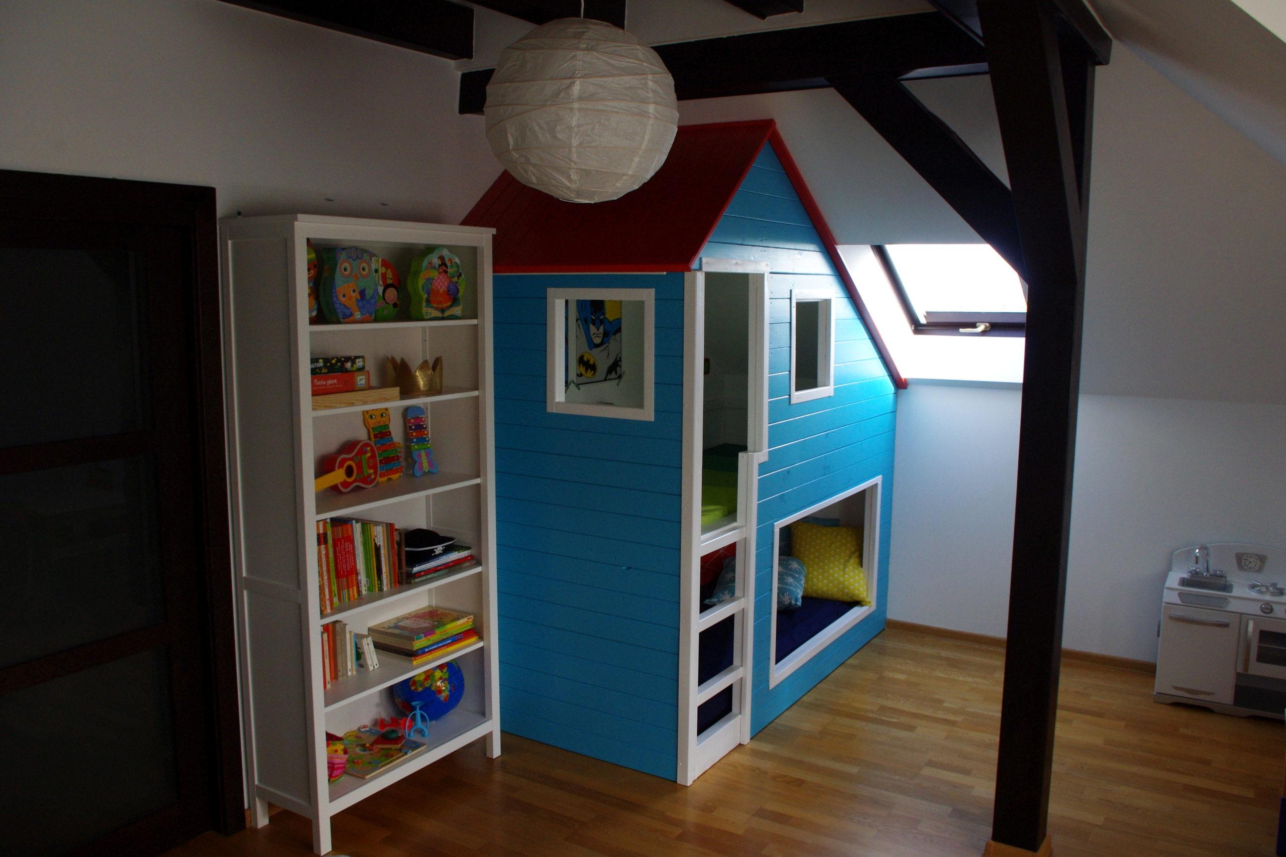 Domek plażowy, czyli piętrowe łóżko dla dzieci